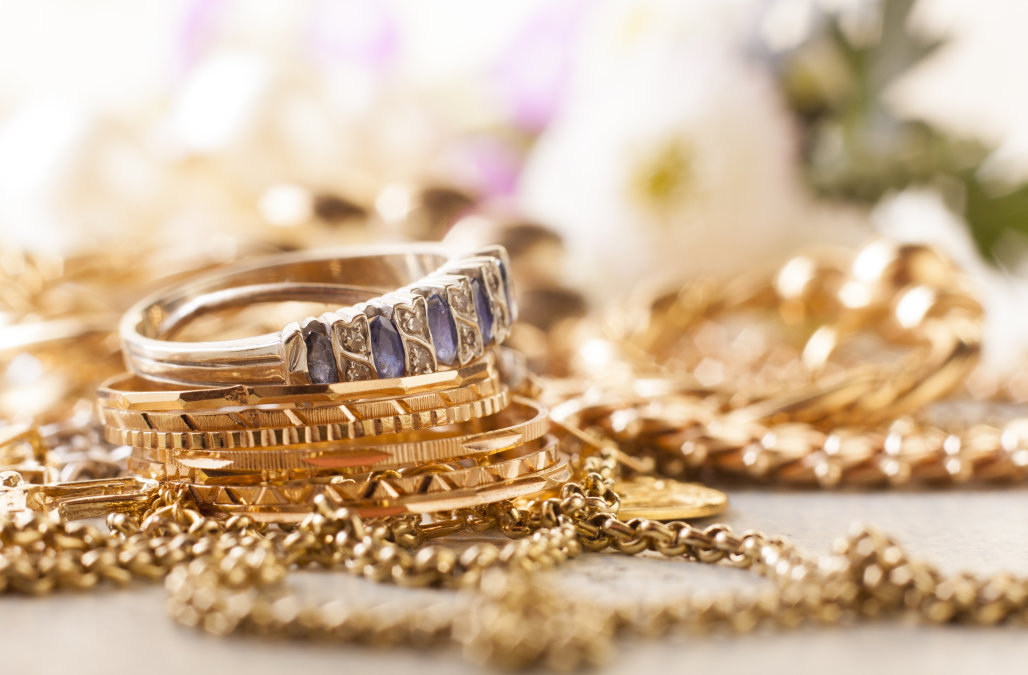 a history of gold jewelry