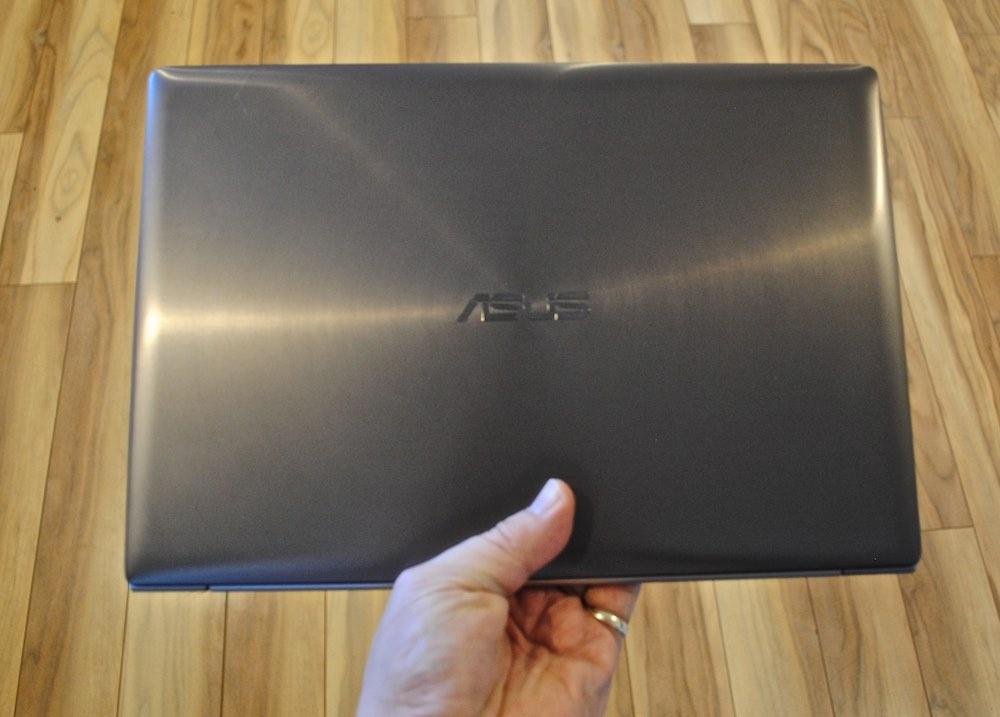 Asus Zenbook in hand.jpg