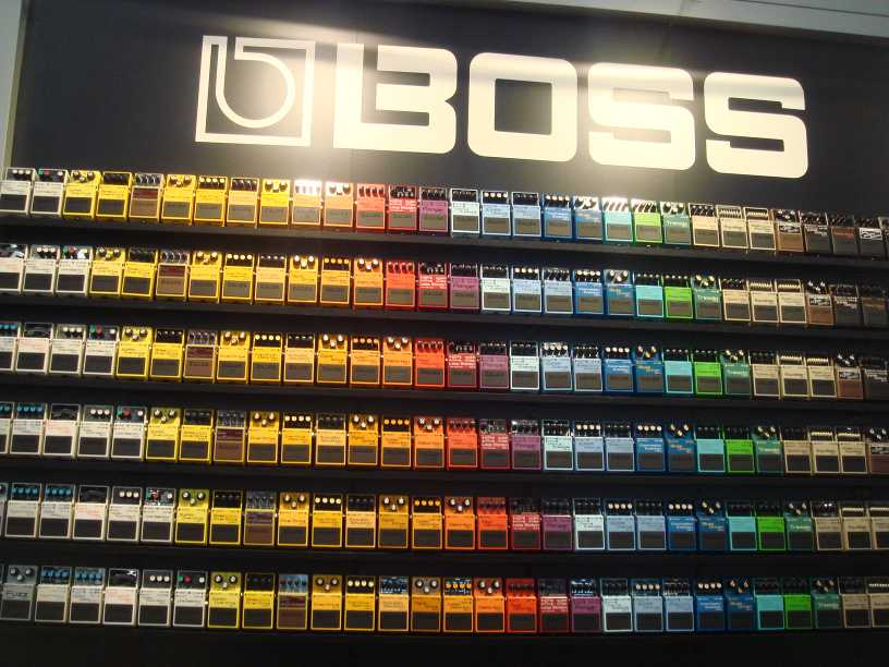 echo and overdrive and blues oh my 3 new guitar effects pedals from boss best buy blog. Black Bedroom Furniture Sets. Home Design Ideas