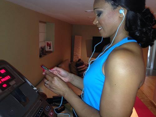 Tracy-exercise-phone2.jpg