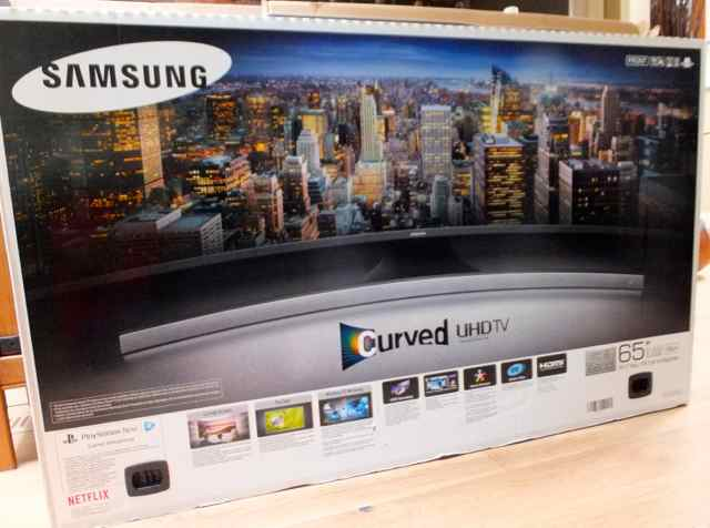 "Review: Samsung 65"" 4K Ultra HD Curved Tizen Smart TV"