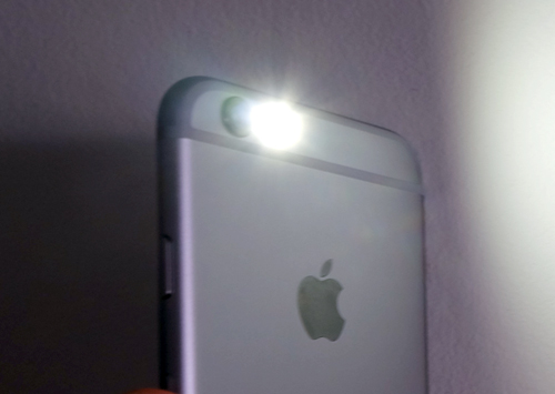 iPhone-flash.jpg