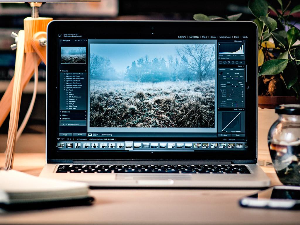 Laptop-header