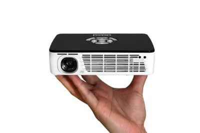 projector hand