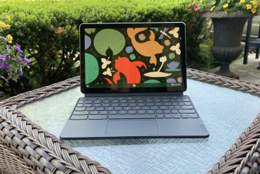 How to use your laptop outdoors