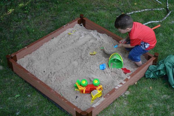 Review: Frame It All Square Sandbox | Best Buy Blog