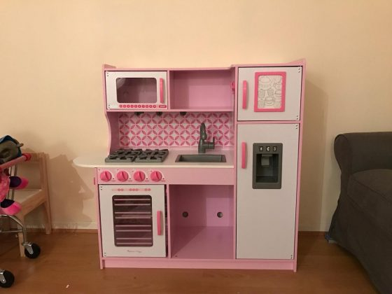 awaken your child 39 s imagination with melissa and doug 39 s chef 39 s kitchen accessories and cleaning. Black Bedroom Furniture Sets. Home Design Ideas