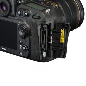 nikon-camera-memory-card-slot
