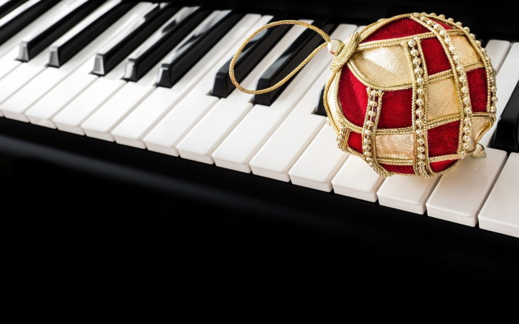 piano-xmas
