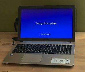 asus-downloading-windows-updates