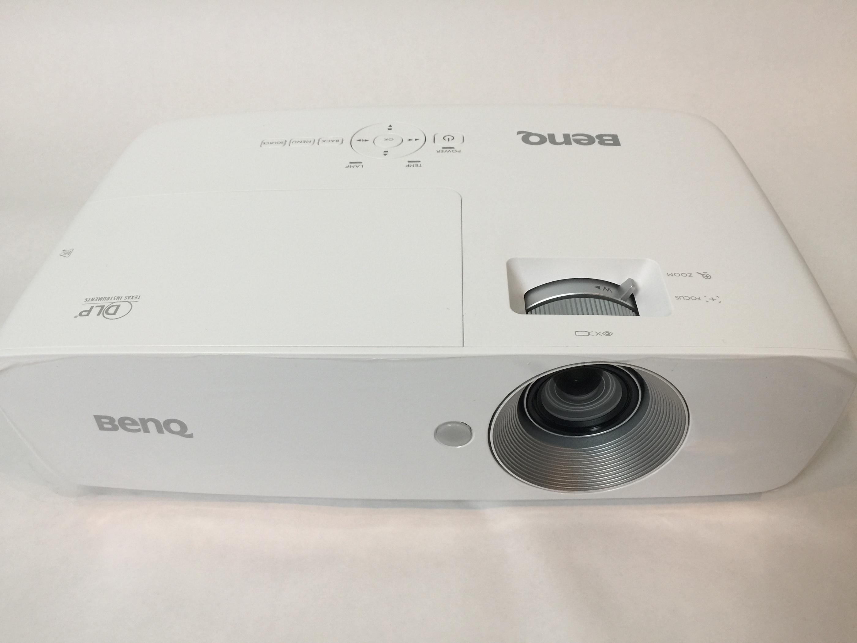 benq-home-theatre-w1090-projector-1