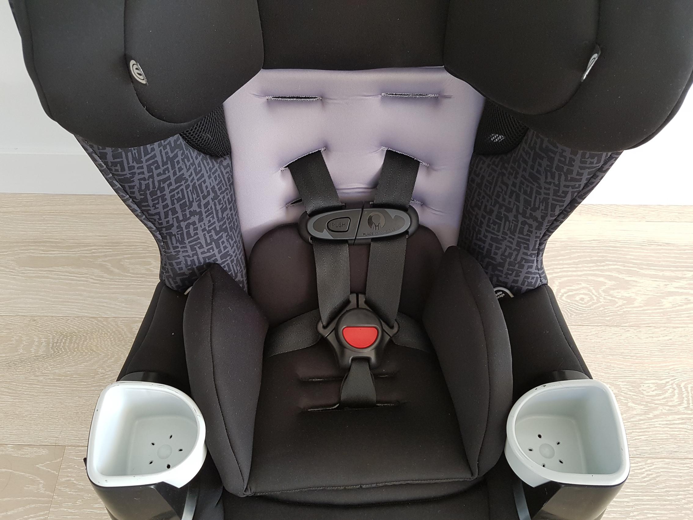 evenflo_car_seat_bby_harness