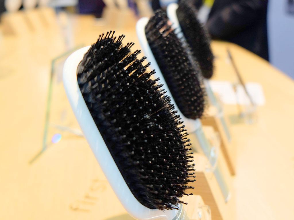 hair-coach-bristles