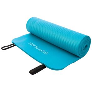 winter-fitness-tips-yoga-mat