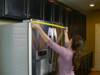 measuring for refrigerator