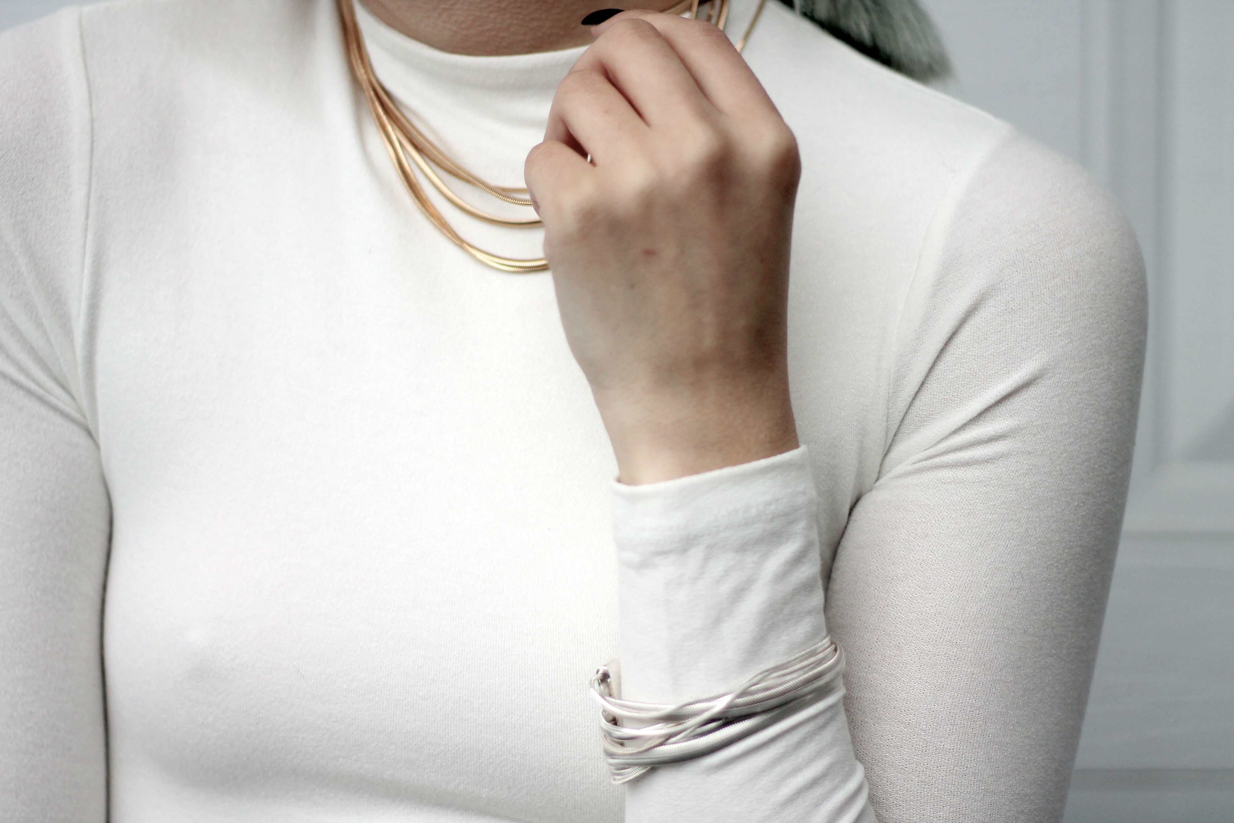 how to mix gold and silver jewelry pieces