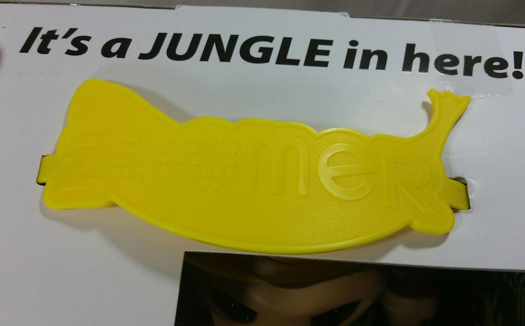 zoomer-chimp-banana-shaped-handle