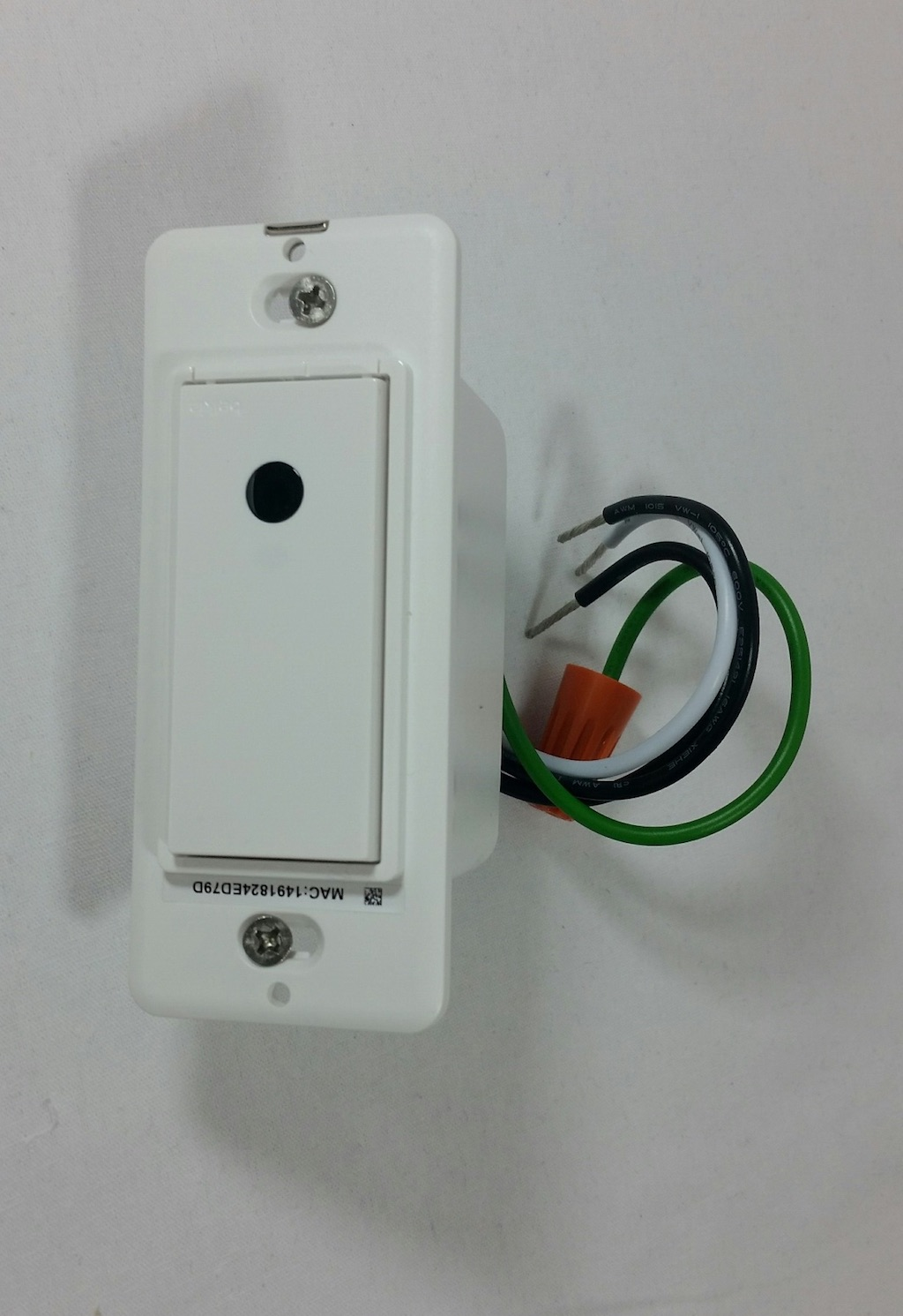 note about the wi-fi light switch: you needn't be an electrician nor a  handyman/woman to get this light switch installed and working, but please  do take