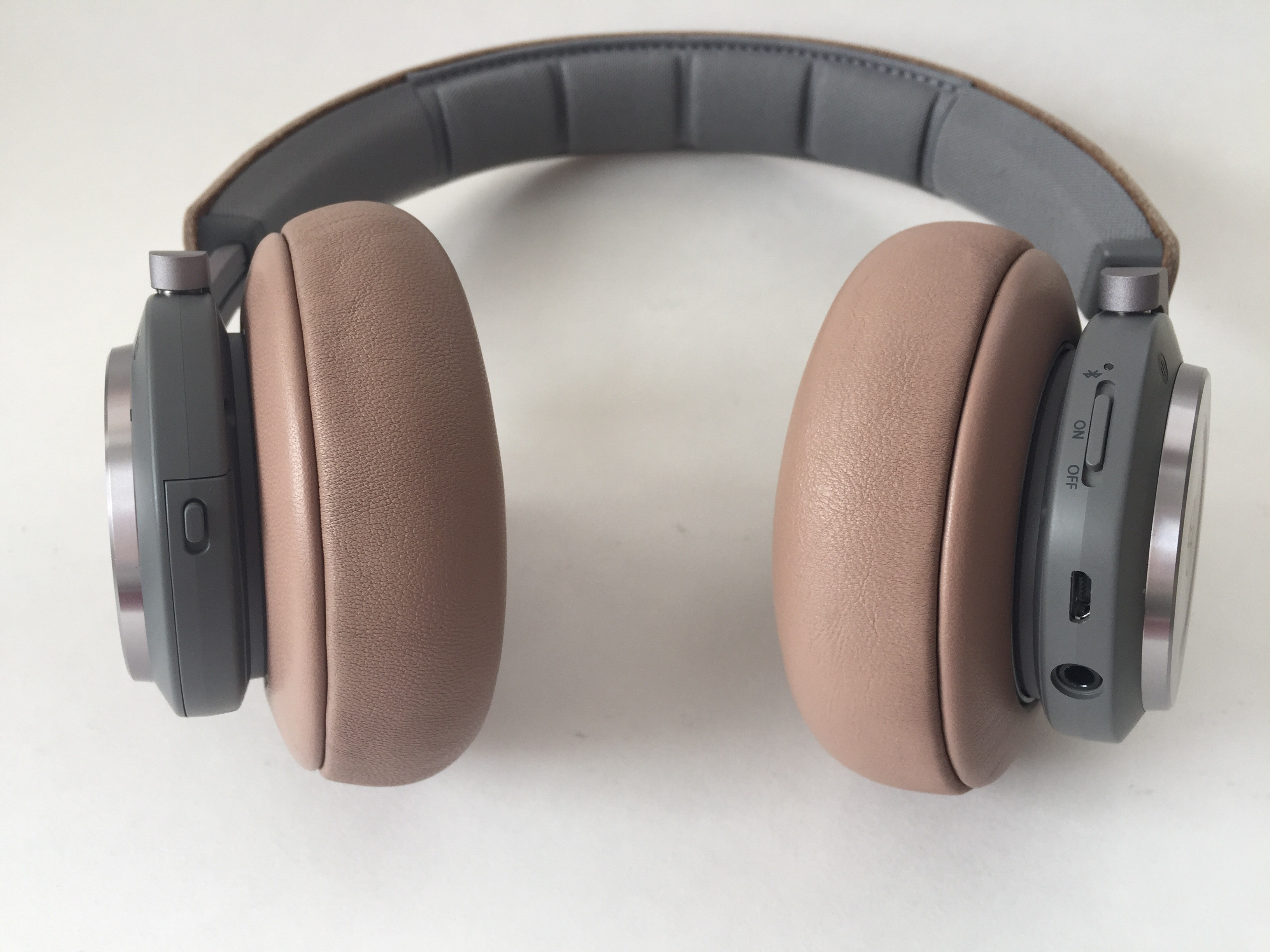 bO beoplay H9 headphones