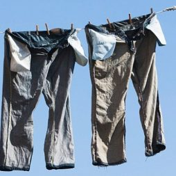 hang washed clothes