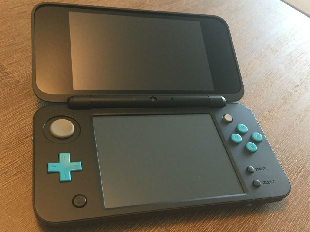 New Nintendo 2DS XL touch screen