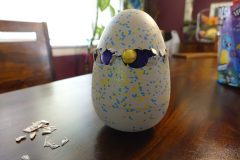 hatchimals glittering garden pecking out of egg