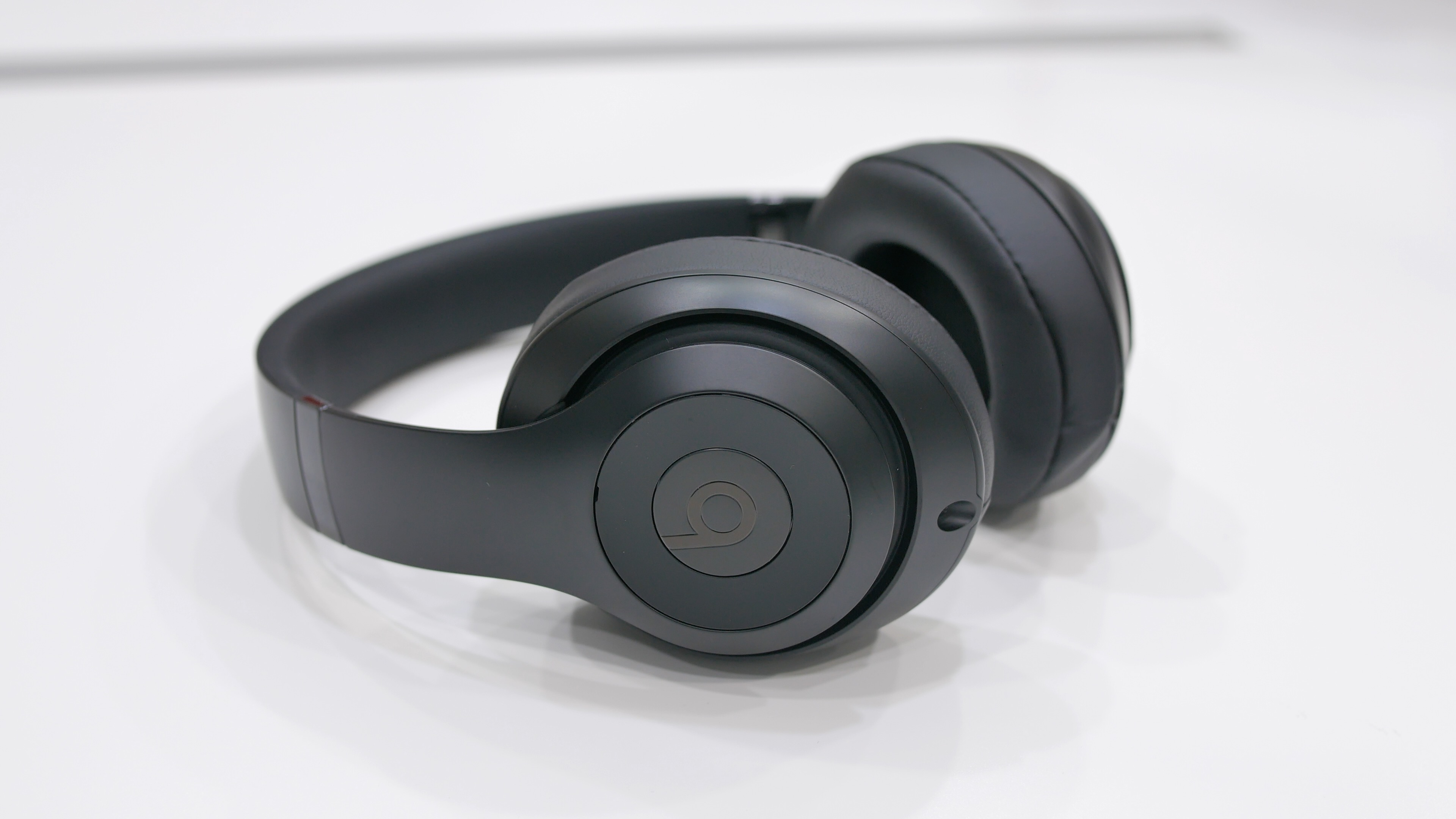 Beats by Dr. Dre Studio 3 Over-Ear Noise Cancelling Bluetooth ... 6164d1ddf6