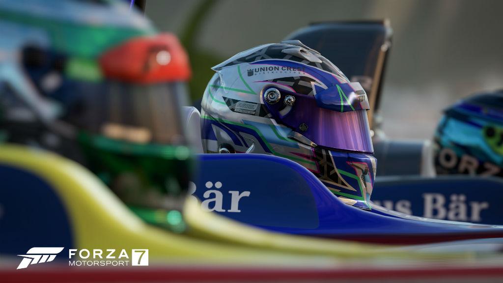 Forza Motorsport 7 racing helmet