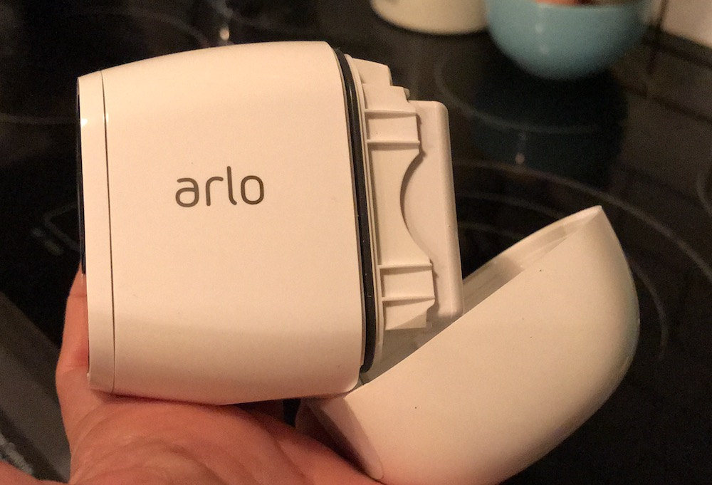 Battery Arlo Pro 2 Review