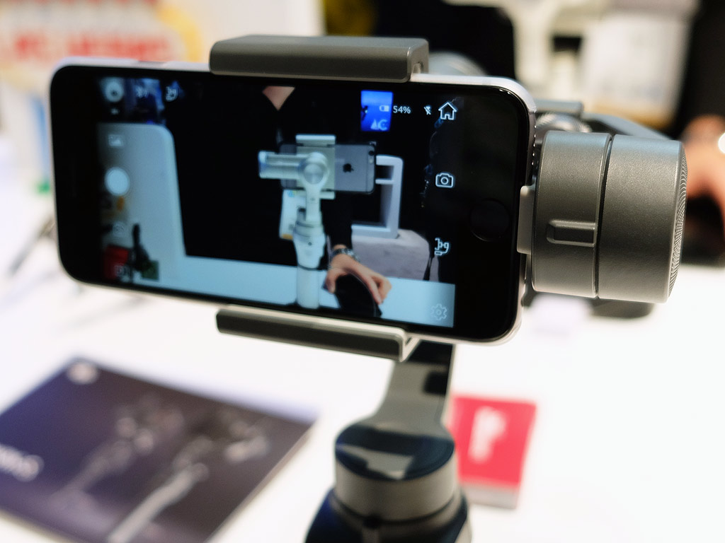 sale retailer bbb8a b201c CES 2018: hands-on with the new DJI Osmo Mobile 2 | Best Buy Blog