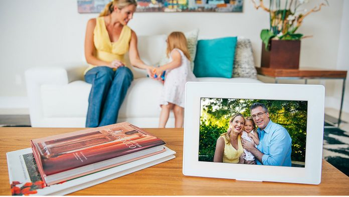 smart photo frame for Valentines