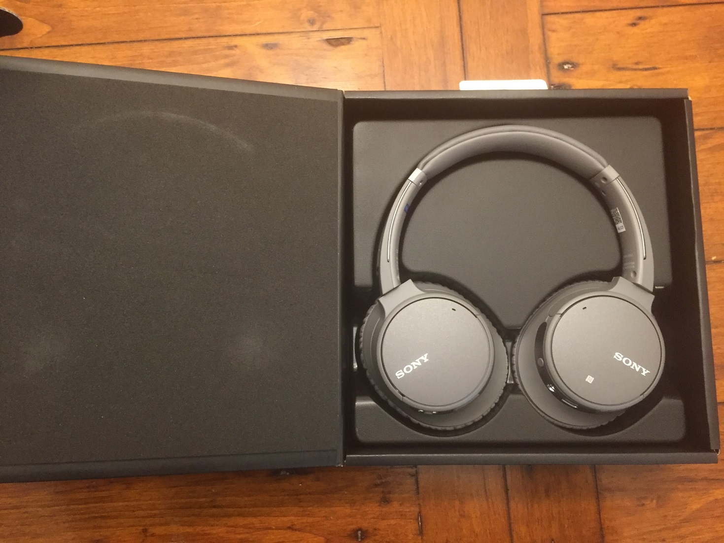 Review Sony Wh Ch700n Ch500 Wireless Headphones Best Buy Blog Headphone Jack Wiring A Pair Of Along With The Noise Cancelling Headset Box Contains Charging Cable And As Well Usual User