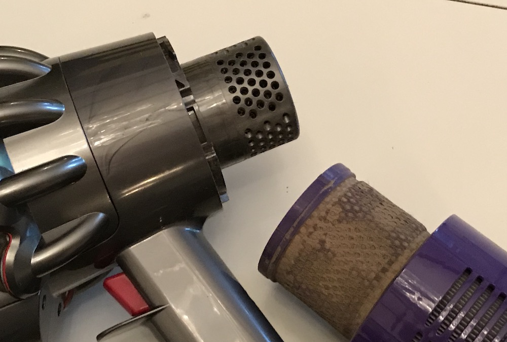 Dyson V10 Filter Cleaning