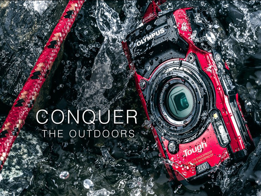 A photo of the Olymopus Tough TG-5 immersed in water