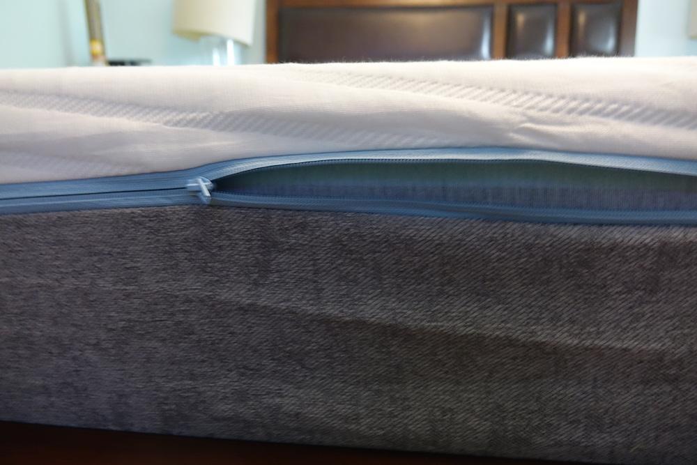 Koala mattress unzipped