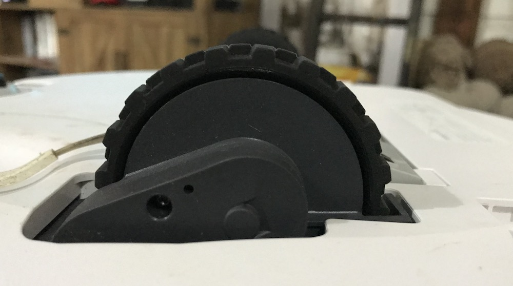 Roborock rugged wheels