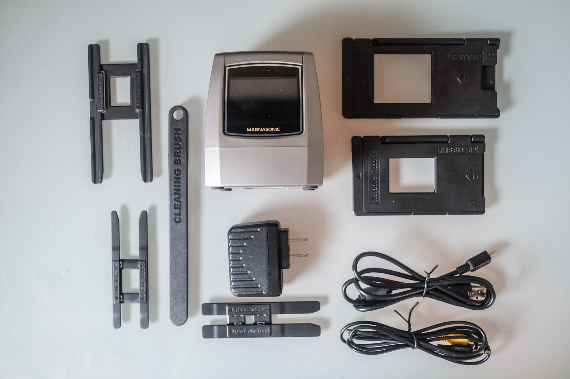 Magnasonic film Scanner—a photo of the contents of the box
