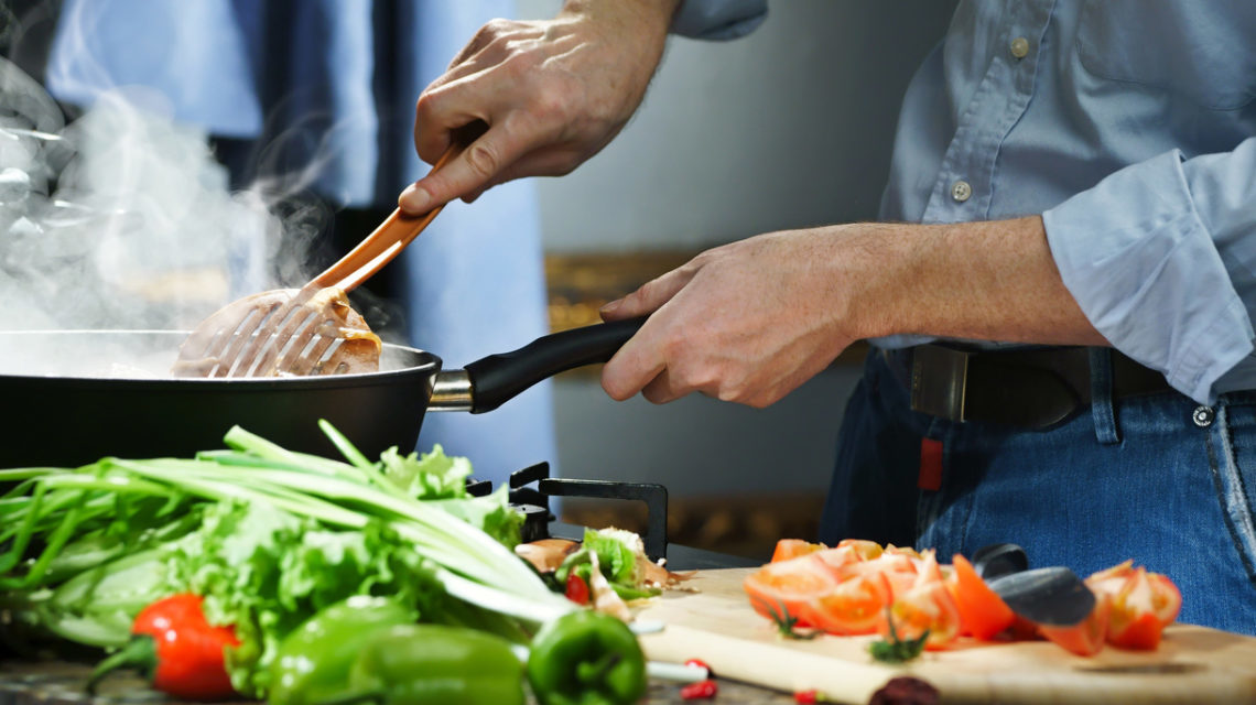 Losing weight starts with cooking at home | Best Buy Blog