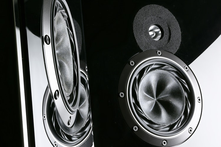how to choose a speaker