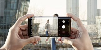Samsung smartphone to social media
