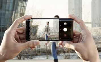 Samsung smartphone to social media