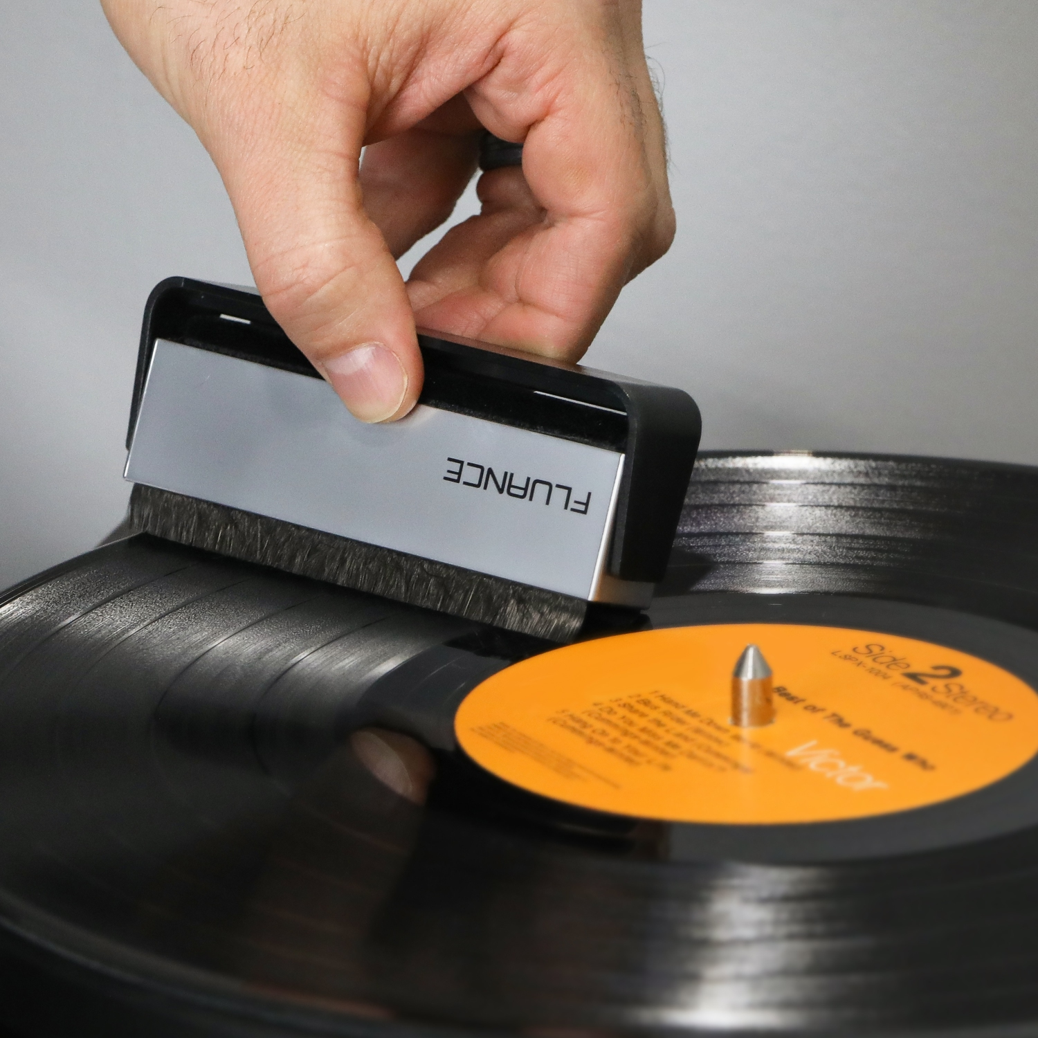 Record brush to keep your turntable working well
