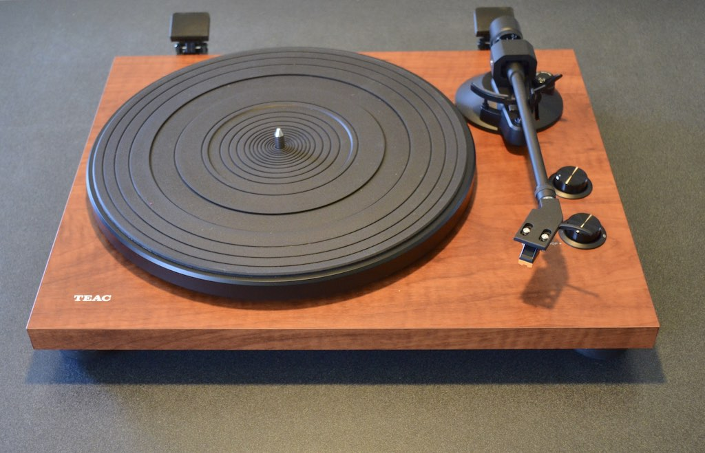 How To Buy A Record Player Best Buy Blog