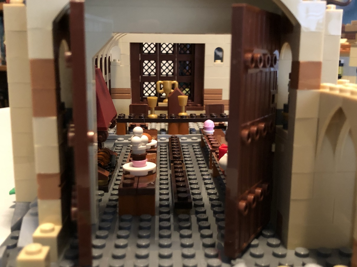 Lego Harry Potter Great Hall Open Doors
