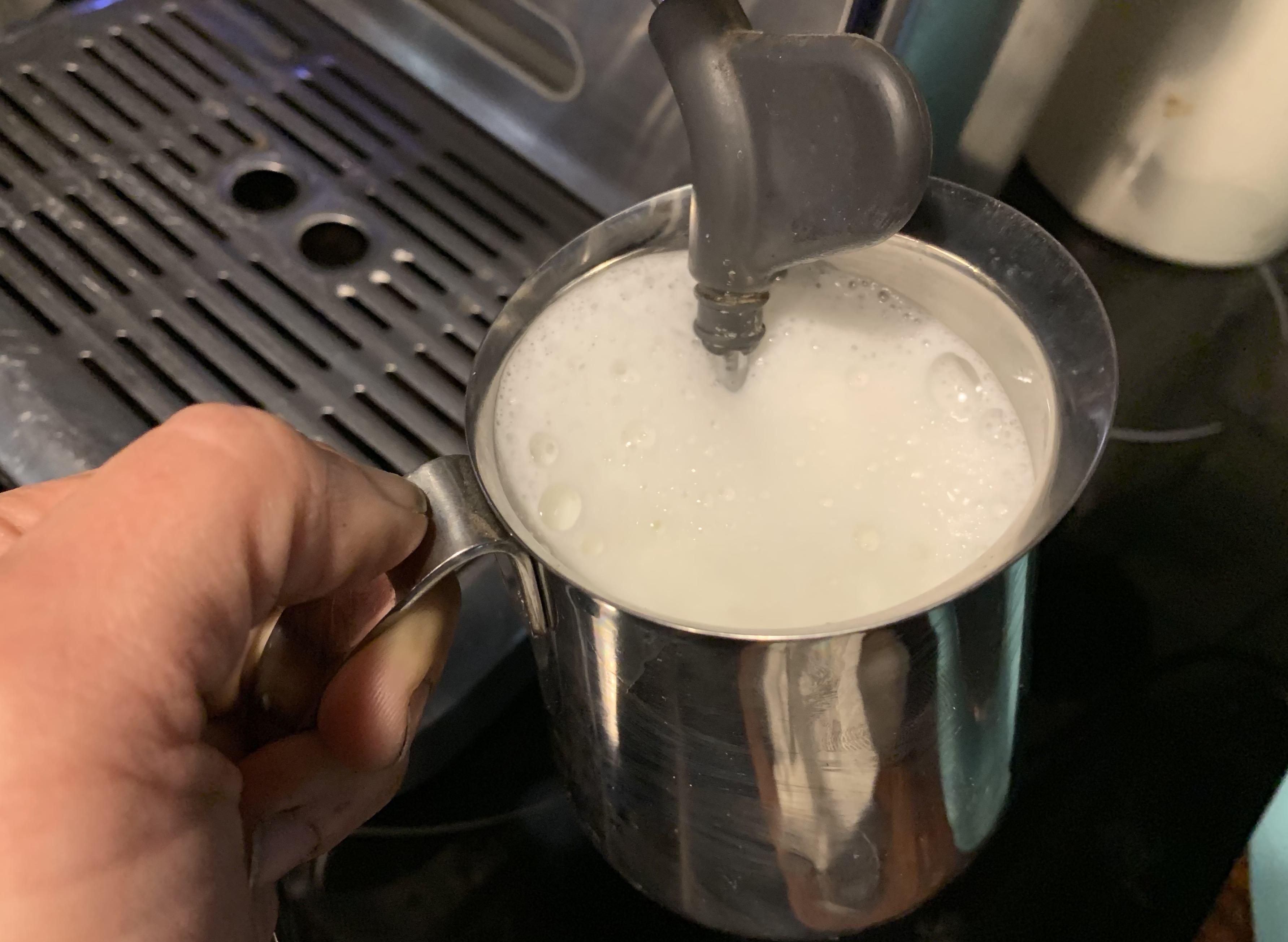 How to foam milk