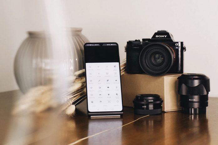 DSLR mobile photo editing