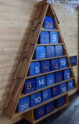 image of advent calendar tree at Best Buy warming lounge in Toronto