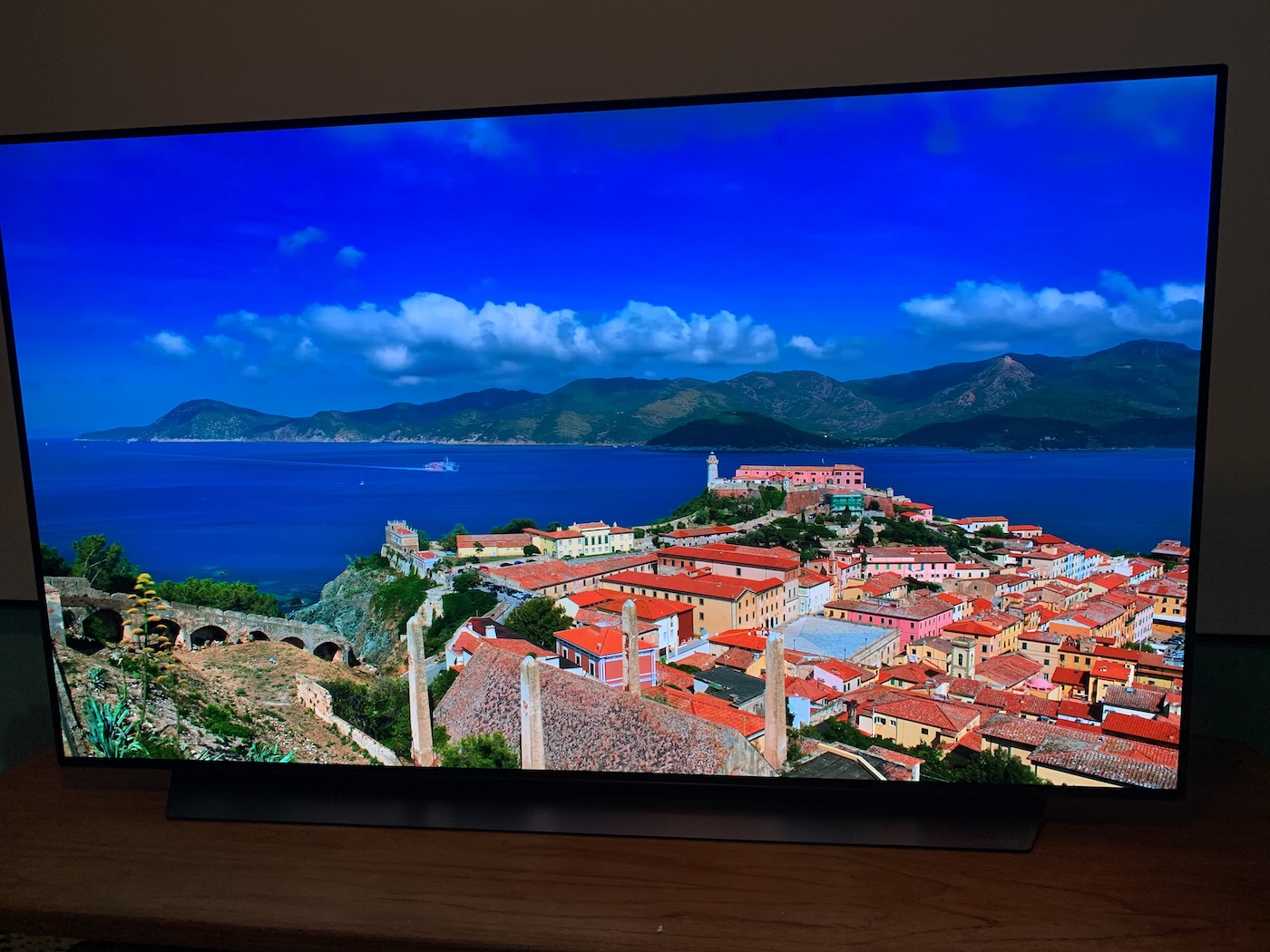 LG C9 TV's OLED Black Feature for Gamers
