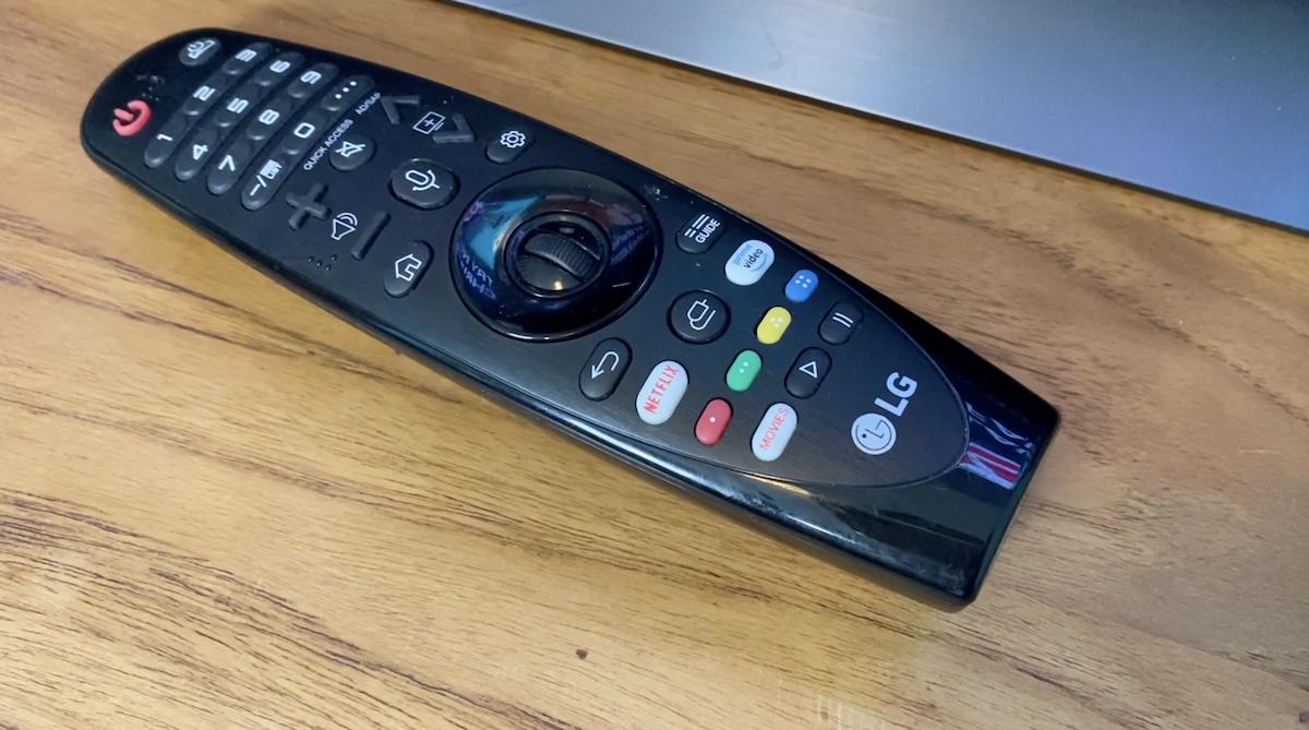 LG C9 OLED 4K TV's magic remote