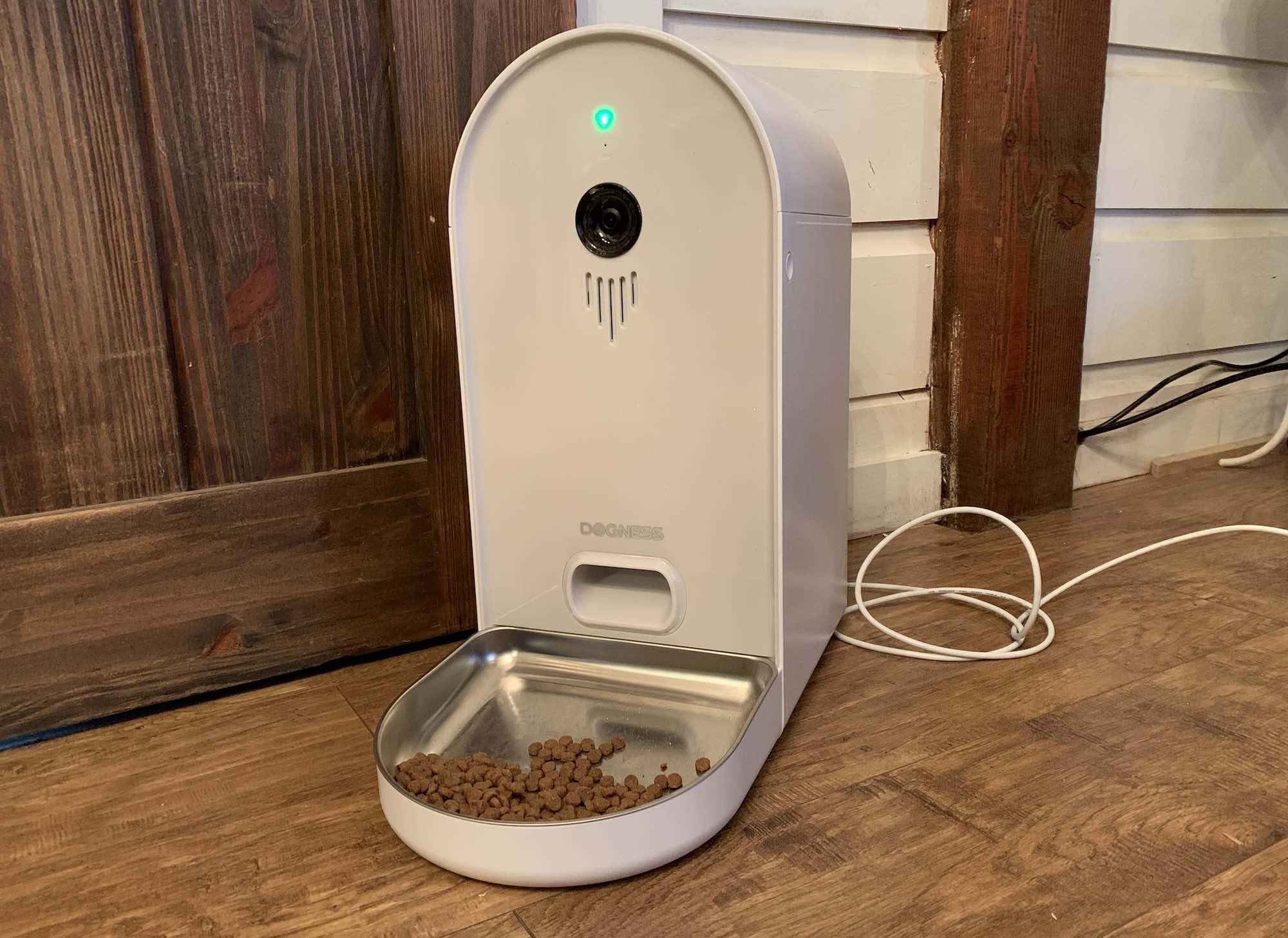 Apparence et fonctionnalités de la Gamelle Smart Cam de Dogness